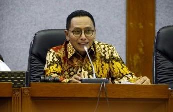 Wakil Ketua Baleg DPR RI Totok Daryanto memimpin rapat penyusunan program legislasi nasional (Prolegnas) RUU prioritas tahun 2018.