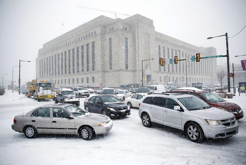 Badai Salju Lumpuhkan Bandara di Cina