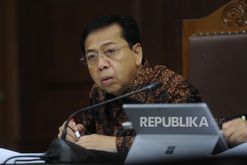 Terdakwa kasus korupsi KTP Elektronik Setya Novanto menjalani sidang lanjutan di Pengadilan Tipikor, Jakarta Pusat, Kamis (11/1).