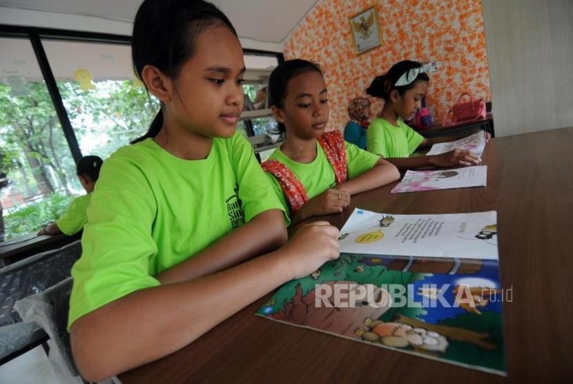 Guru Diminta Biasakan Anak Membaca Buku