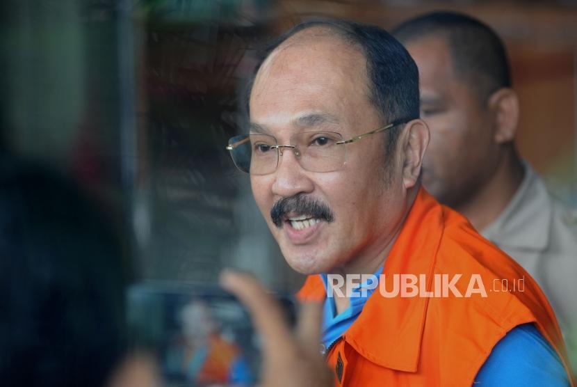 KPK Periksa Silang Fredrich dan Dokter Bimanesh