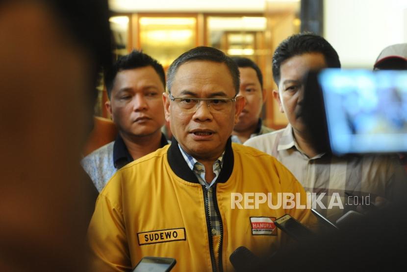 Pemecatan OSO. Wakil Ketua Umum Partai Hanura Kubu Daryatmo Sudewo melakukan konfrensi pers, Jakarta, Ahad (21/1).