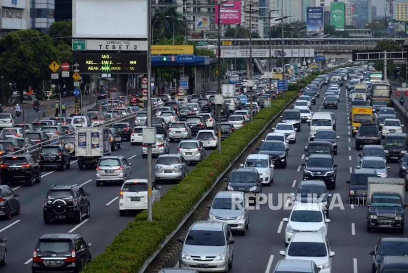 Jasa Marga akan Tindak Tegas Penerobos Jalan Tol