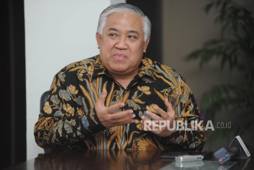 Menjelaskan.  Utusan Khusus Presiden Din Syamsudin dalam audiensi yang  bertempat di kantor Utusan Khusus Presiden, Jakarta, Jumat (10/11).