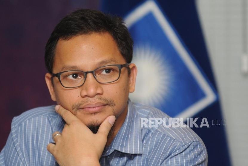 Wakil Ketua Komisi 1 DPR RI- Hanafi Rais