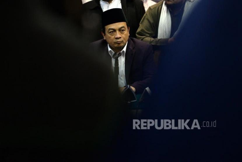 Tolak Disahkannya Perppu Ormas. Ketua GNPF Ulama  Bachtiar Nasir memberikan paparan saat konferensi pers GNPF Ulama di Jakarta, Senin (30/10).