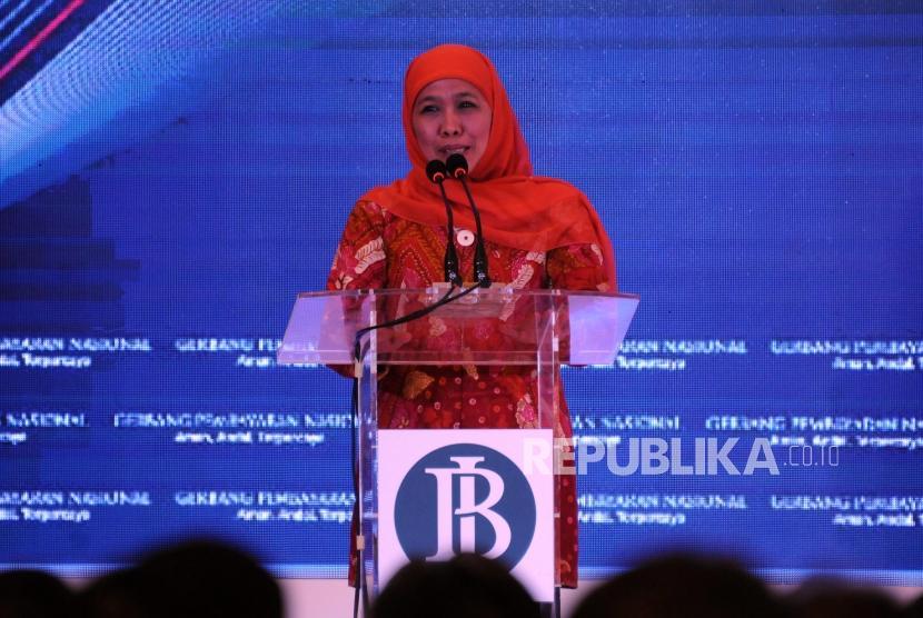 Menteri Sosial Khofifah Indar Parawansa menyampaikan sambutan saat peresmian Gerbang Pembayaran Nasional atau National Payment Gateway (NPG) di Gedung Bank Indonesia, Jakarta, Senin (4/12).