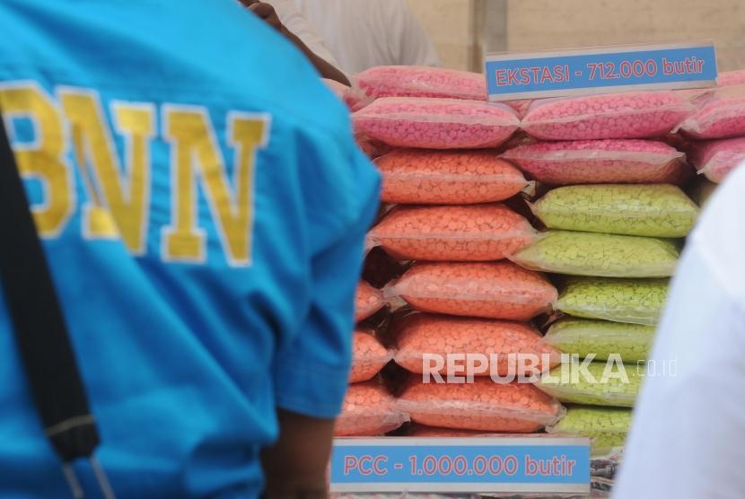 Solo Musnahkan Jutaan Butir Pil PCC