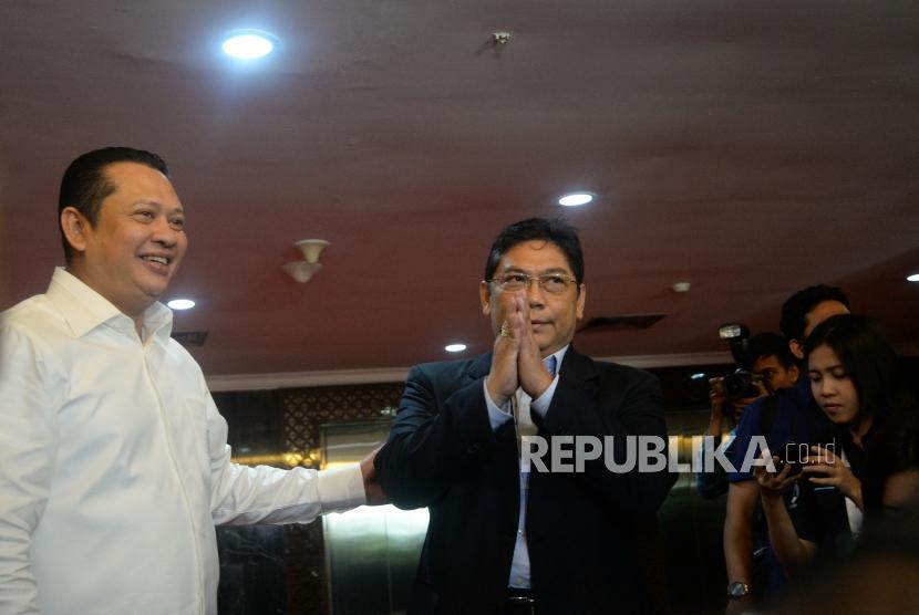 Ketua DPR Bambang Soesatyo (kiri) bersama Ketua Fraksi PDI Perjuangan Utut Adianto.