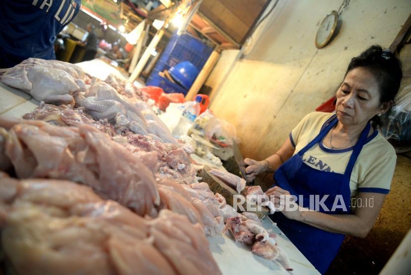 Harga Daging Ayam Naik, Pedagang Ancam Mogok Massal