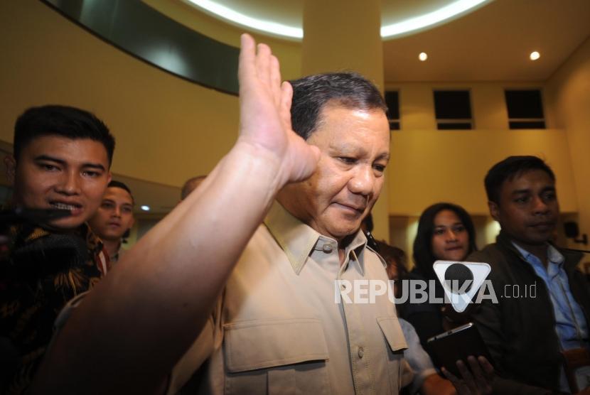 Ketua Umum Partai Gerindra Prabowo Subianto mendatangi kantor DPP PKS untuk melakukan pertemuan dengan Partai PAN dan PKS, Jakarta, Ahad (24/12).