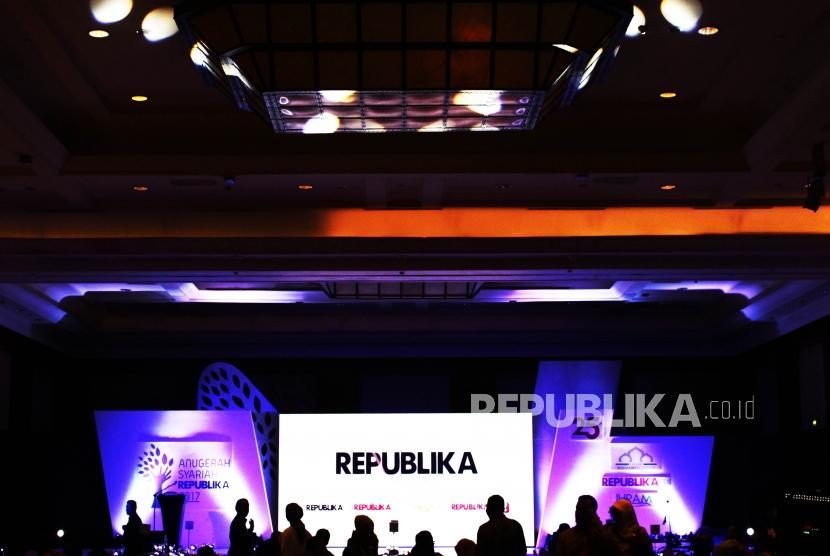 Suasana panggung saat akan digelarnya Anugerah Syariah Republika (ASR) 2017 di Jakarta, Rabu (6/12) malam.