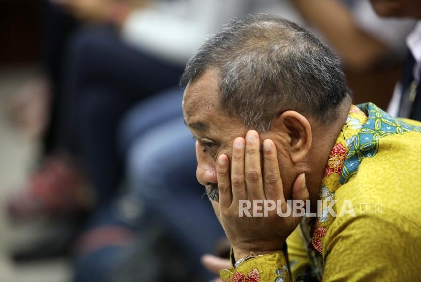 Terdakwa mantan Ketua Pengadilan Tinggi Manado Sudiwardono bersiap menjalani sidang dakwaan di Pengadilan Pengadilan Tindak Pidana Korupsi Jakarta, Rabu (28/2).