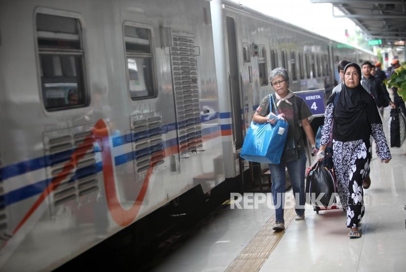PT KAI akan Sediakan Layanan Wi-Fi di Kereta