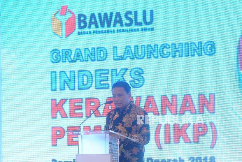 Launching. Pimpinan Bawaslu Abhan memberikan sambutan dalam launching Indeks Kerawanan Pemilu, Jakarta, Senin (28/11).