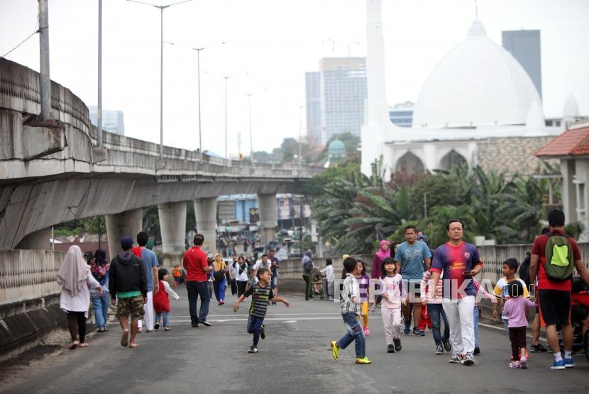 Sandiaga Resmikan HBKB/CFD di Jalan Non-Tol Antasari
