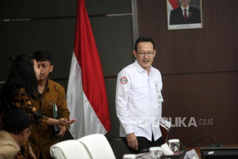 Direktur Utama BPJS Kesehatan Fachmi Idris menghadiri rapat koordinasi tingkat menteri di Gedung Kemenko PMK, Jakarta, Senin (6/11).