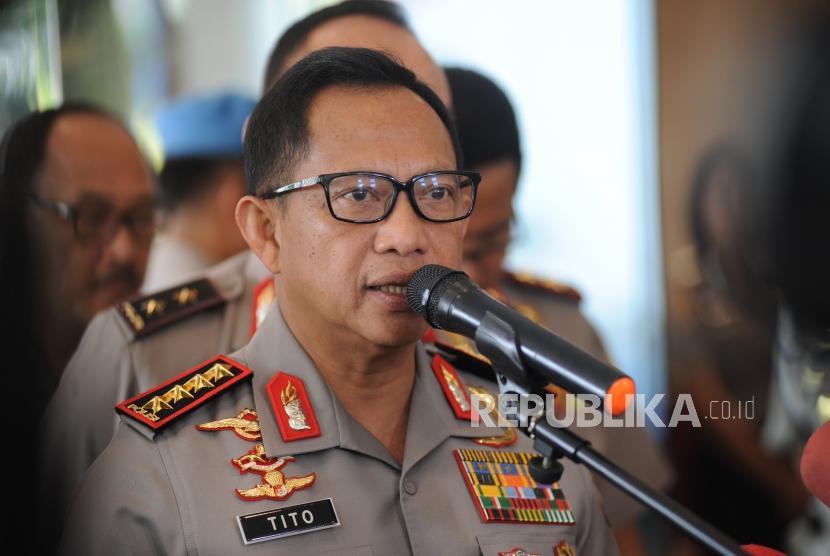 Kapolri Jendral Polisi Tito Karnavian usai memberikan pembekalan kepada Anggota Polri saat  rapat pimpinan Polri di Auditorium PTIK,  Jakarta, Rabu (24/1).