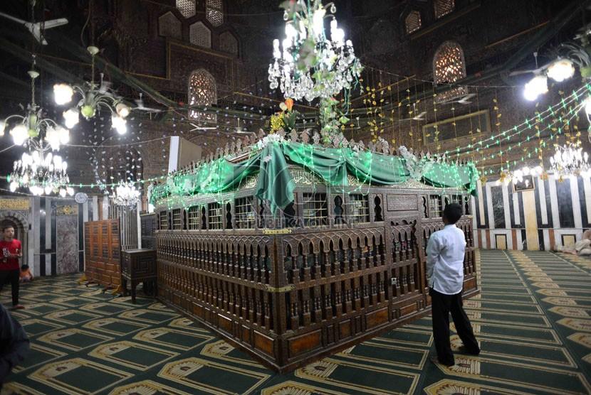 Menelusuri Masjid dan Makam Imam Syafi`i