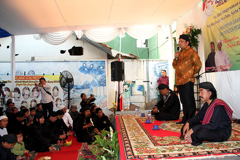 Warga menghadiri acara ruwahan jelang ramadhan (Ilustrasi)