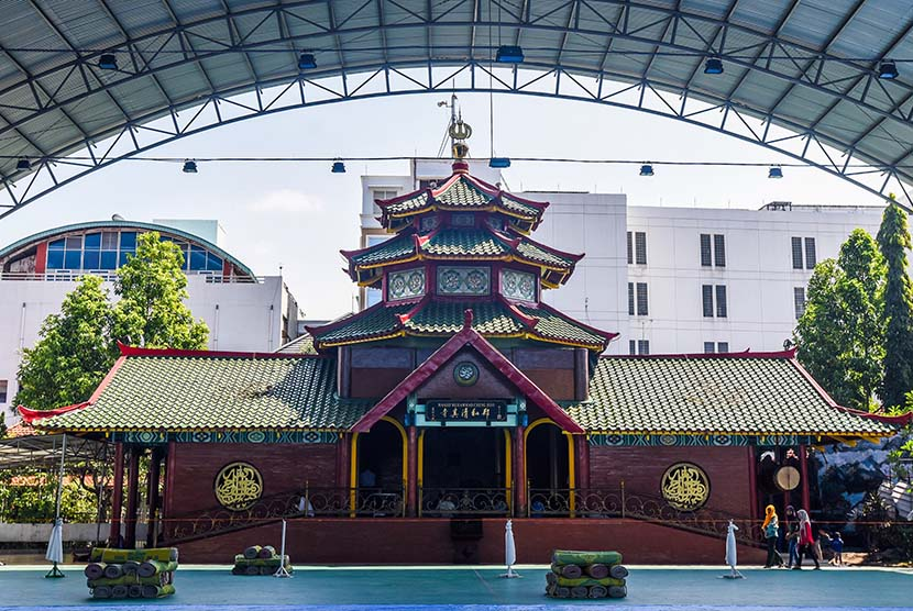 Masjid Cheng Ho Gelar Isbat Nikah Massal