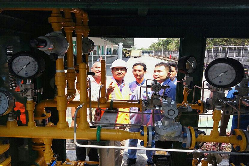 PT Perusahaan Gas Negara (Persero) Tbk (PGN) makin memperluas pasokan gas bumi ke berbagai daerah, tidak hanya secara konvensional melalui jaringan pipa gas, melainkan dalam bentuk gas alam terkompresi atau compressed natural gas (CNG).