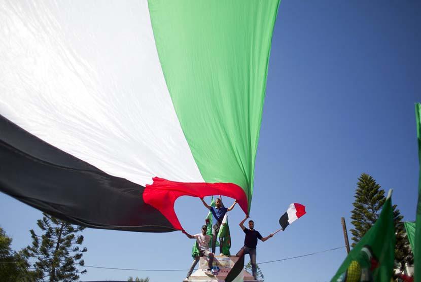 Warga Palestina di Gaza City menyambut gembira kesepakatan rekonsiliasi antara Hamas dan Fatah (Ilustrasi)