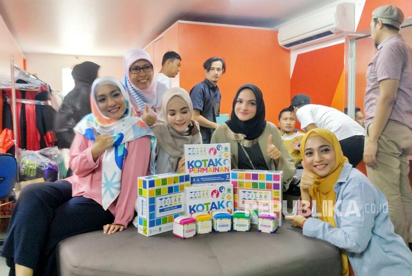 5 Pilar Game, permainan dengan konten ke-Islaman. Permainan ini akan dikenalkan ke masyarakat di Gramedia Pondok Indah Mall, Jakarta, Sabtu (17/3) sebelum dirilis di toko buku pada April.