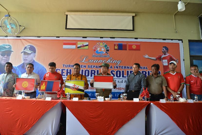 Gubernur Aceh Luncurkan Turnamen Sepak Bola Internasional