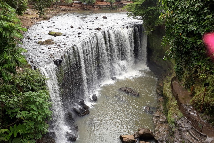 Air Terjun Temam di Lubuk Linggau, Sumatra Selatan.