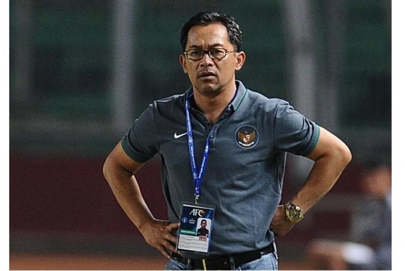 Image result for aji santoso - Legenda Sepakbola Indonesia Yang Menjadi Pelatih Sukses II