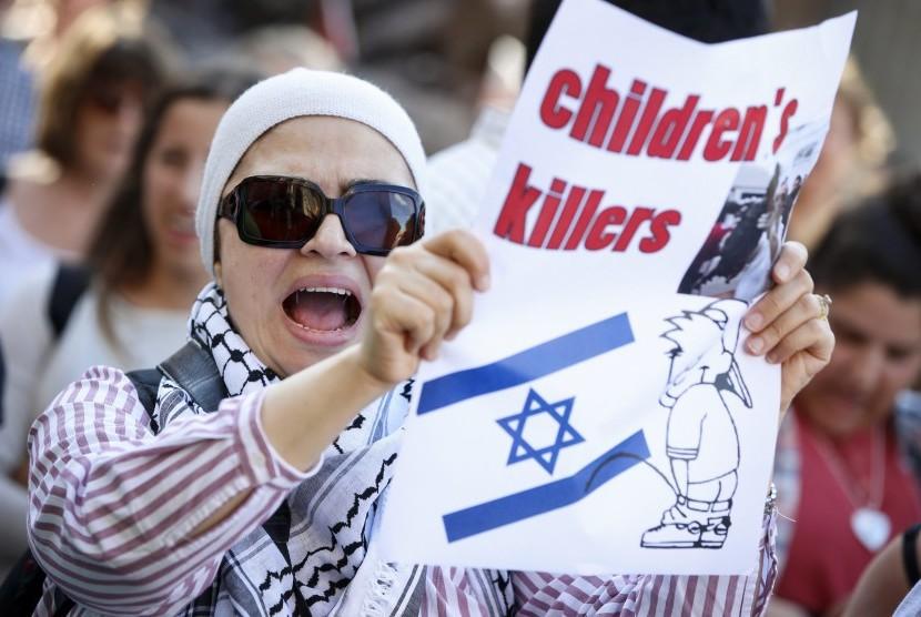 Aksi demonstrasi menentang kebrutalan Israel.
