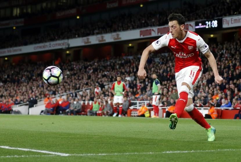 Arsenal Mulai Buka Pintu untuk Lepas Oezil