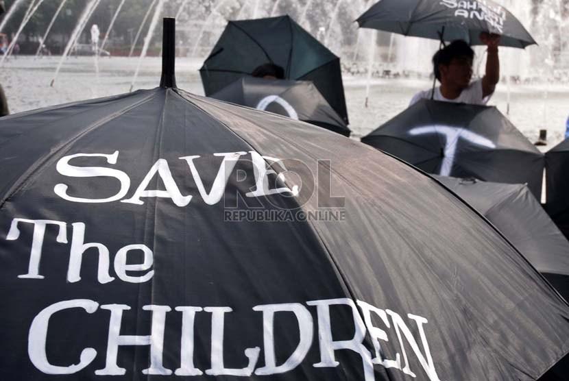 Aksi kampanye selamatkan anak-anak. (Ilustrasi)