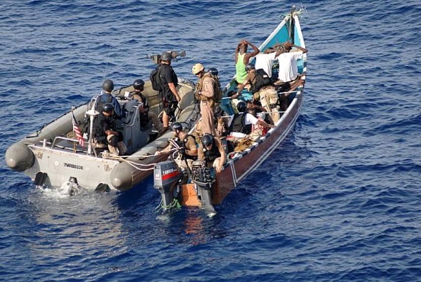 Ratusan Kapal Nelayan Pantura Dirompak di Perairan Lampung