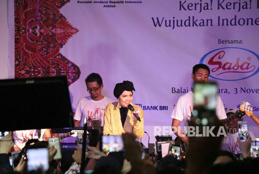 Soal Jilbab Gratis untuk Rina Nose, Ini Penjelasan Rabbani