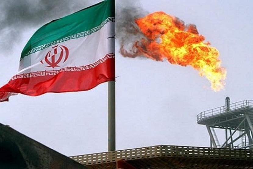 Aktivitas pengeboran di ladan minyak Iran