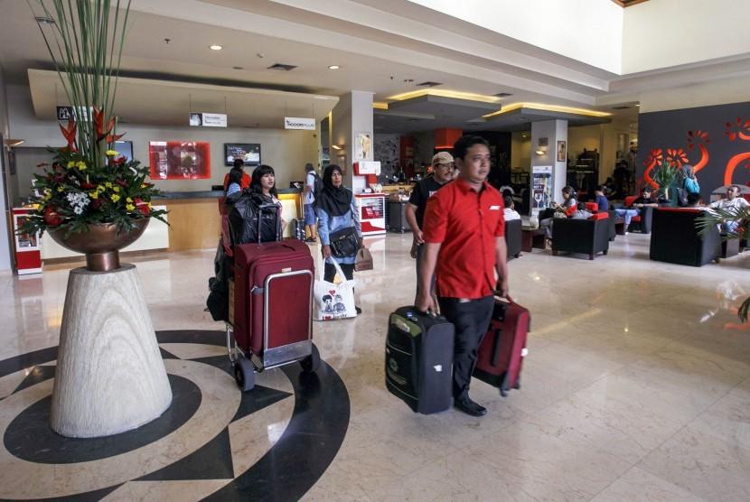 Aktivitas pengunjung di sebuah hotel (ilustrasi).