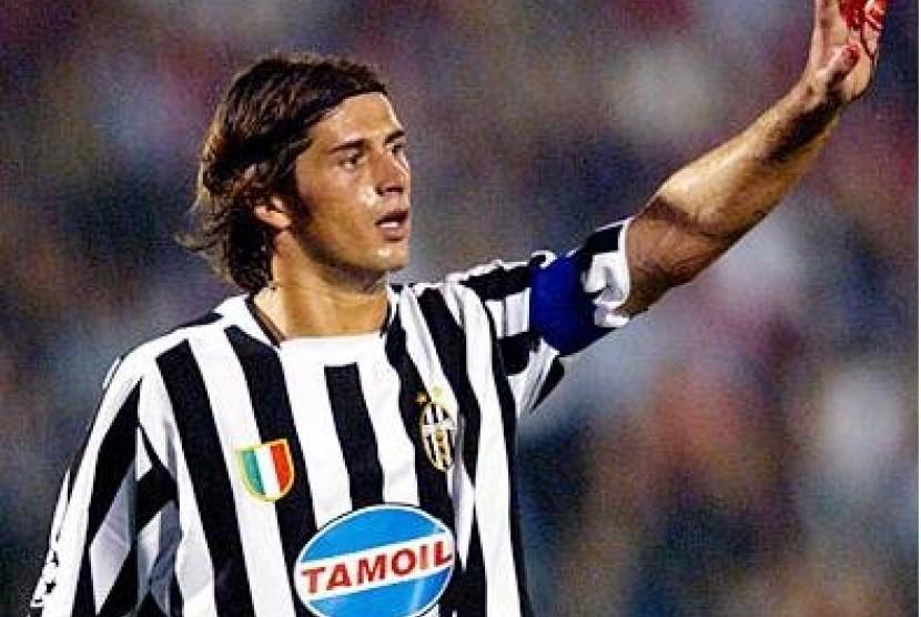 Alessio Tacchinardi saat masih berkostum Juventus.