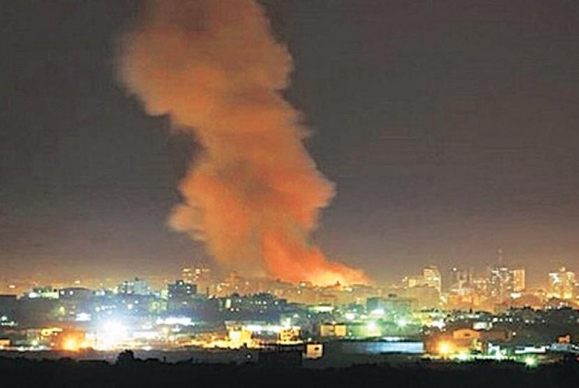 Aliansi Arab Saudi berupaya menggempur milisi Houthi di Pelabuhan Adrn, Yaman Selatan (Ilustrasi)
