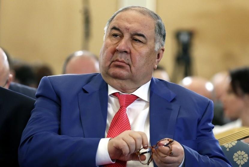 Usmanov Bantah akan Jual 30 Persen Sahamnya di Arsenal