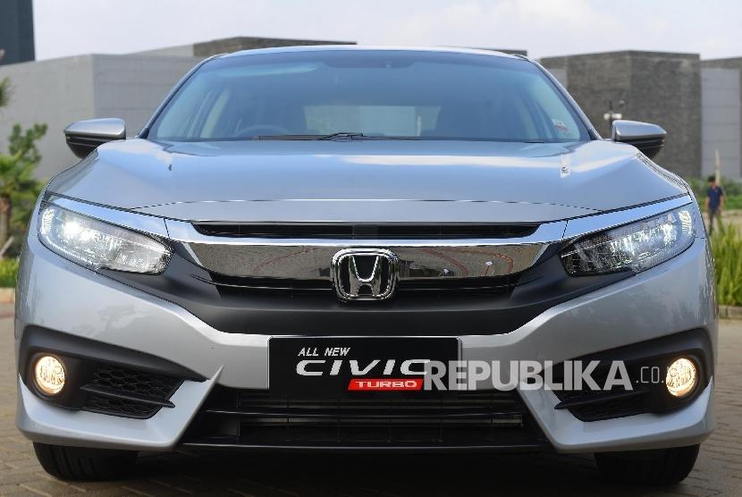 All New Honda Civic saat difoto di Dago Pakar, Bandung, Jawa Barat, Rabu (25/5).  (Republika/Raisan Al Farisi)