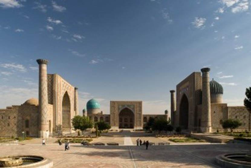 Alun-Alun Registan di Samarkand.