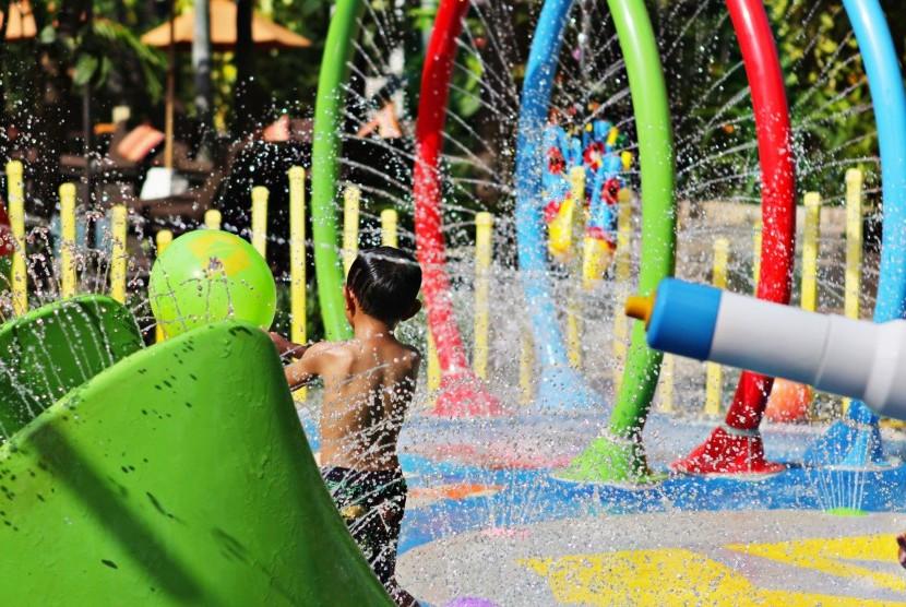 Anak bermain Playground / Ilustrasi
