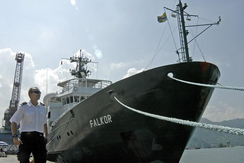 Kapal Prancis Lakukan Penelitian di Dasar Laut Pulau Sumatra