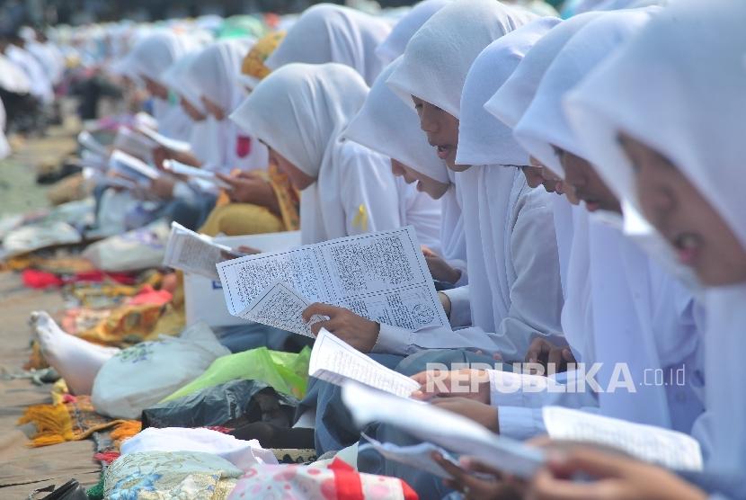 DPRD Jabar Sayangkan Jika Perda Jilbab Dicabut