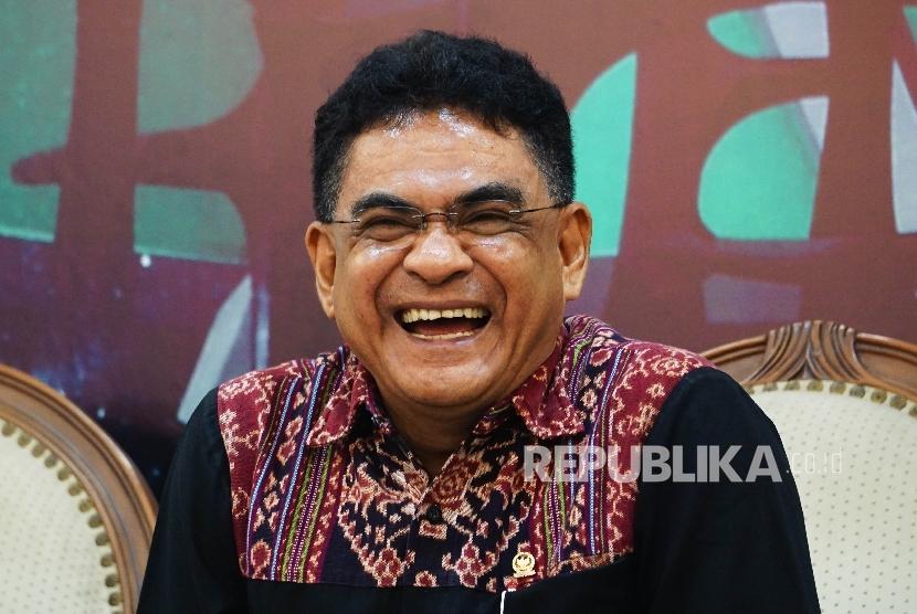 Anggota Komisi I DPR RI Andreas Hugo Parera saat menjadi pembicara dalam Forum Diskusi Legislasi di Media Center, DPR RI, Senayan, Jakarta, Selasa (23/8).