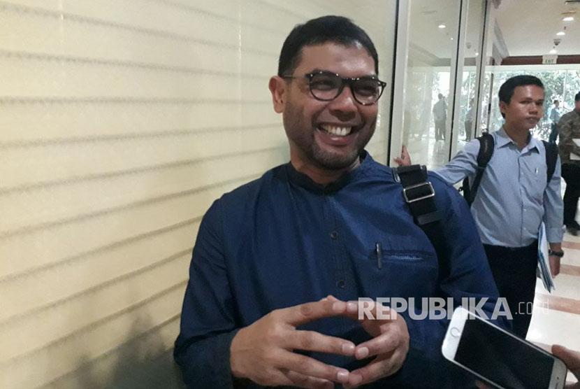 Anggota Komisi III DPR-RI, Nasir Djamil usai gelar rapat gabungan Komisi III bersama KPK, Polri, dan Jaksa Agung di Gedung Nusantara II, Senin (16/10).