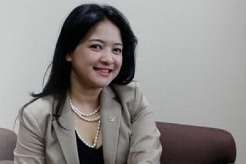 Anggota Komisi VII DPR RI dari Fraksi PDI Perjuangan, Dewi Aryani