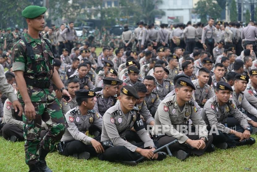Anggota TNI dan Polri (ilustrasi)